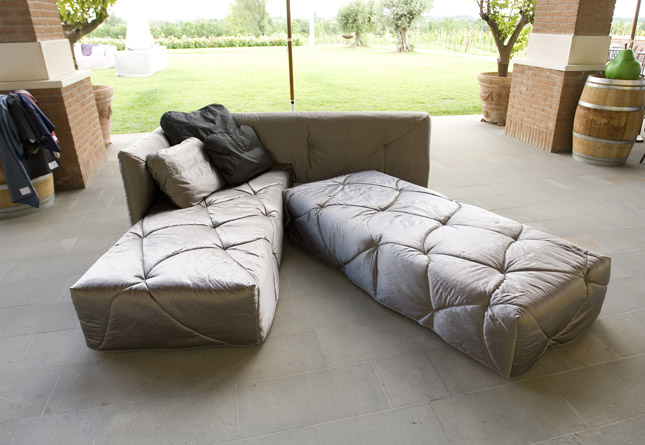 Divani salvaspazio beautiful divano letto futon modello - Letto modello roma ...